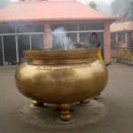 A wee incense holder at the Mahabohi temple complex in Bodhgaya