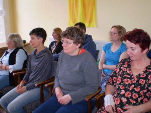 Rapt audience at Lama Yeshe Losal Rinpoche's teachings